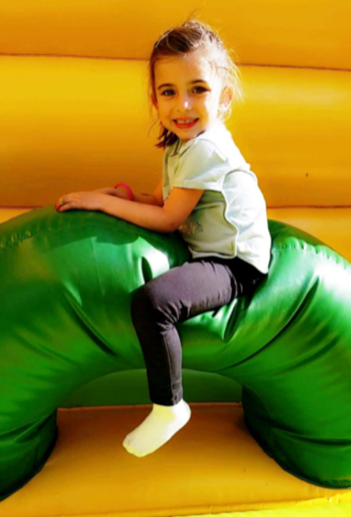 Enfant dans l'univers Tepasitptit au parc de loisirs Tepacap Toulouse